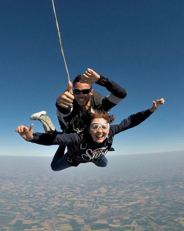 saut-en-chute-libre-avec-des-professionnels-lille-parachutisme