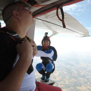 lille-parachutisme-votre-saut-en-parachute-filme